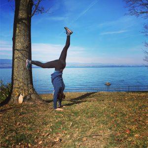 handtsand yoga